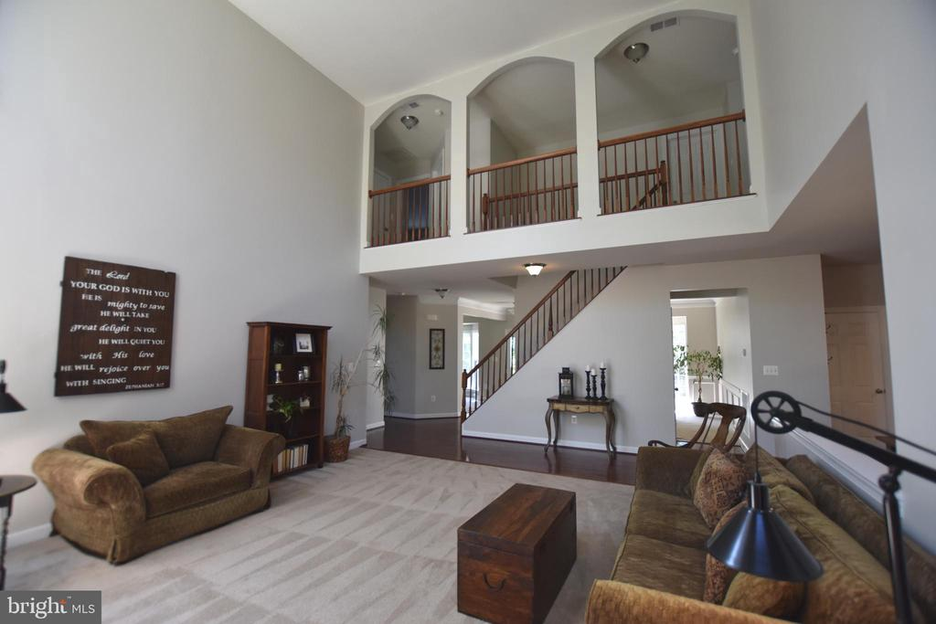 Family room open to upstairs catwalk - 40 BELLA VISTA CT, STAFFORD