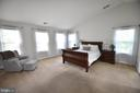 Large master suite - 40 BELLA VISTA CT, STAFFORD
