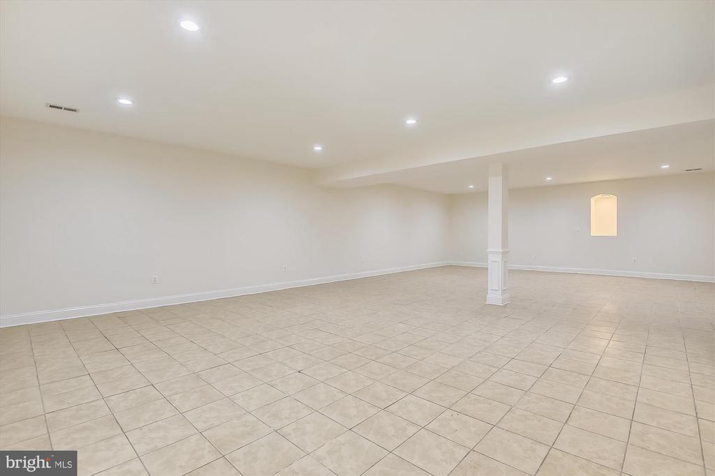 Lower Level Finished Rec Room - 3114 N PERSHING DR, ARLINGTON