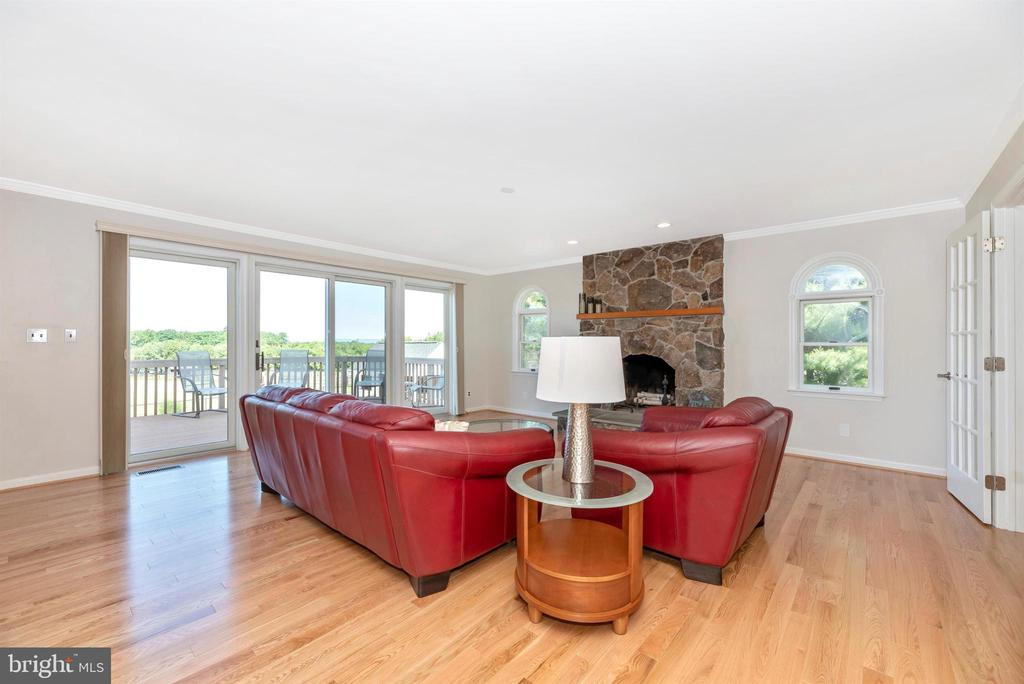 Family Room - 6156 WOODVILLE RD, MOUNT AIRY