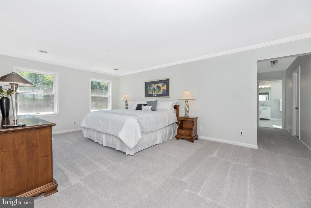 Master Bedroom - 6156 WOODVILLE RD, MOUNT AIRY