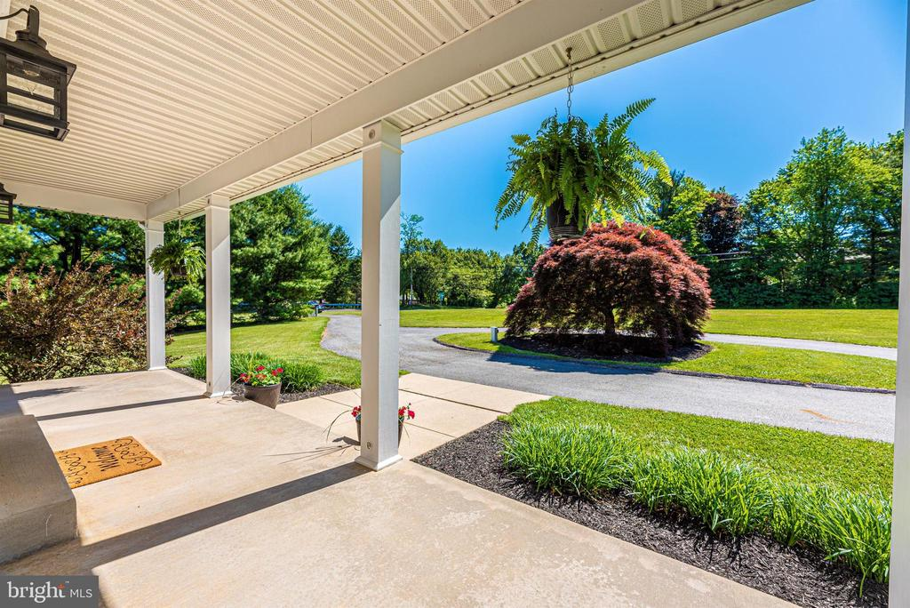 Covered Porch - Front - 6156 WOODVILLE RD, MOUNT AIRY