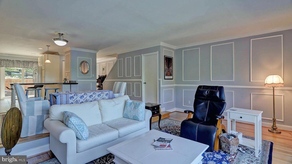 Living area - 11210 LAGOON LN, RESTON