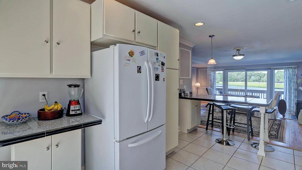 Kitchen - 11210 LAGOON LN, RESTON