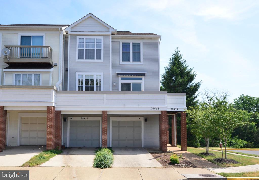 All the wood has been replace - 20456 COOL FERN SQ, ASHBURN