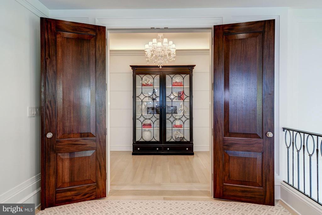Entrance to Master Suite - 2101 DUNMORE LN NW, WASHINGTON