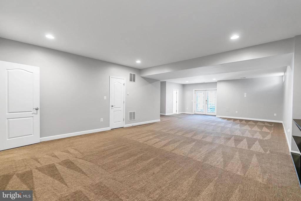 Fully finished basement - 42636 EMPEROR DR, BRAMBLETON