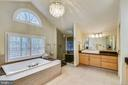 Master Bath: large soaking tub & shower - 11329 STONEHOUSE PL, POTOMAC FALLS