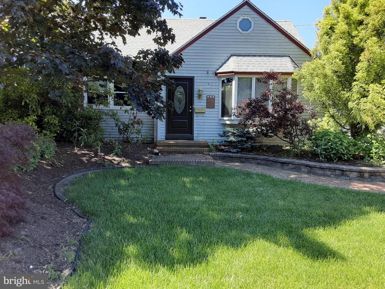 Single Family Homes pour l Vente à Barrington, New Jersey 08007 États-Unis