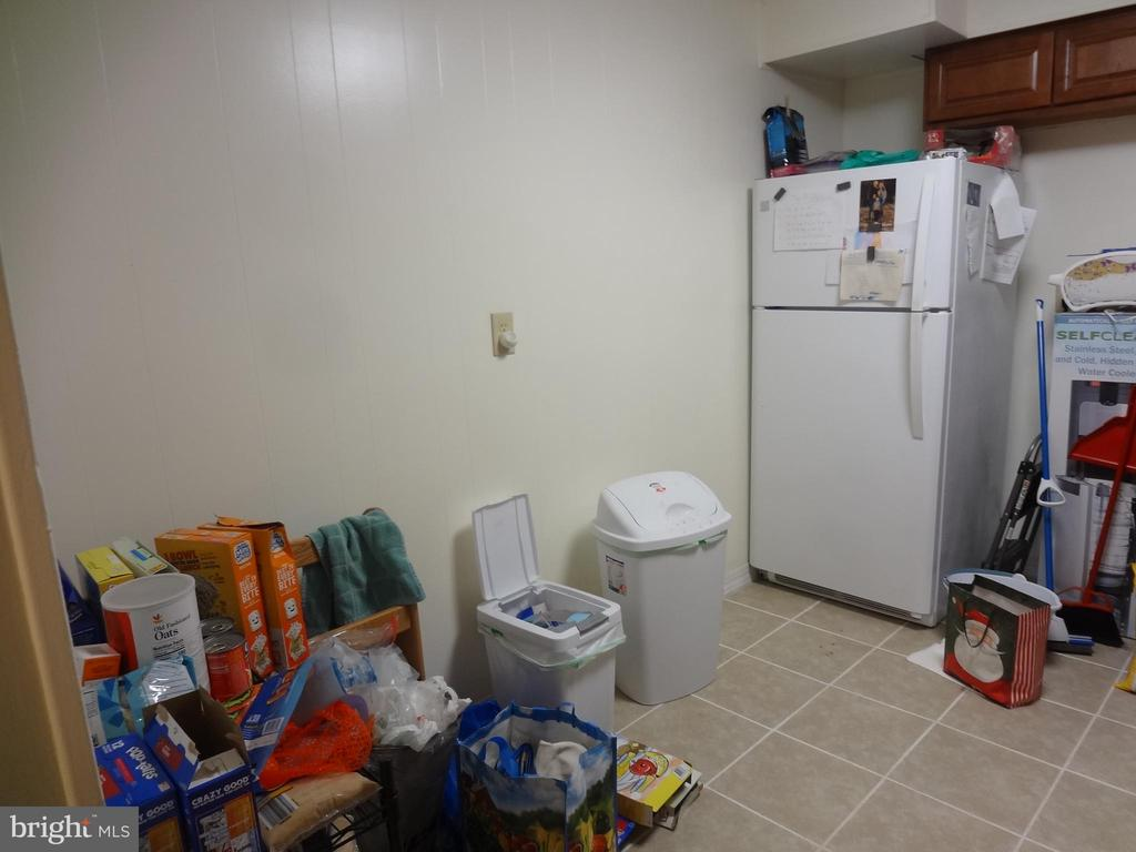 Kitchen view 1 - 5111 S 8TH RD S #207, ARLINGTON