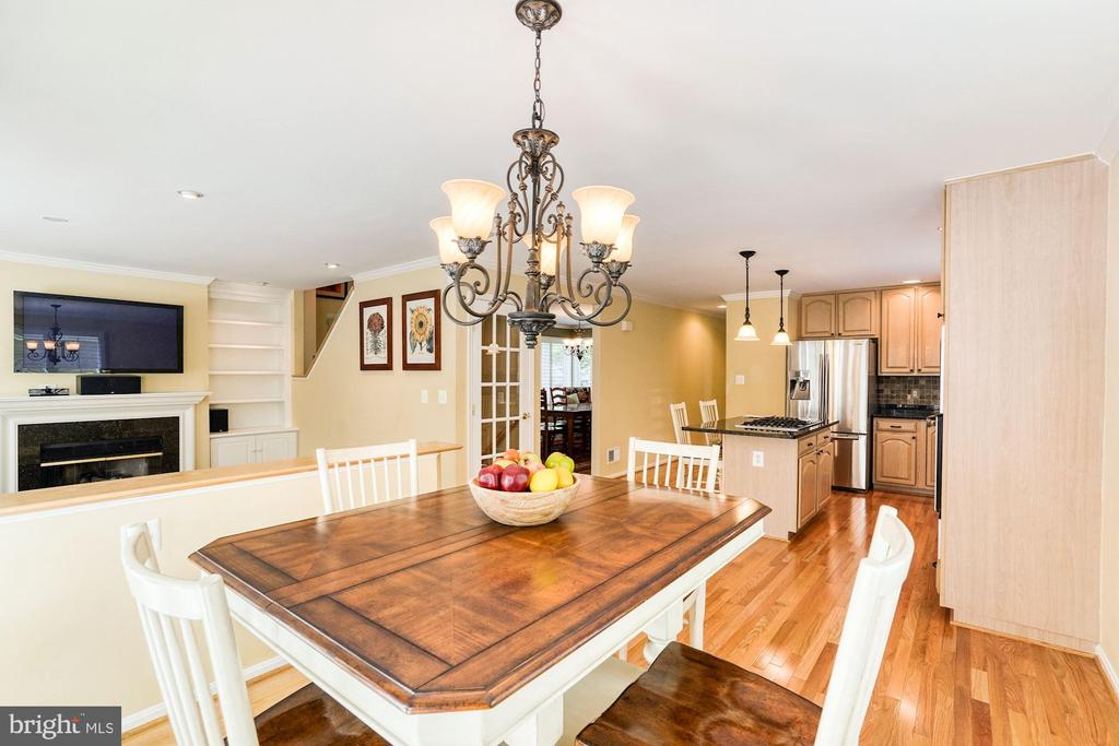 - 1308 PAVILION CLUB WAY, RESTON