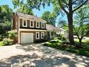 Wonderfully maintained Manchester 3 Model - 6218 GENTLE LN, ALEXANDRIA