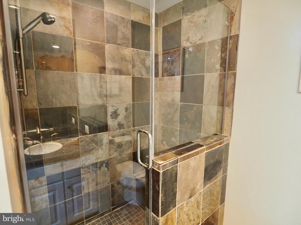 Huge shower in updated master bath - 6218 GENTLE LN, ALEXANDRIA