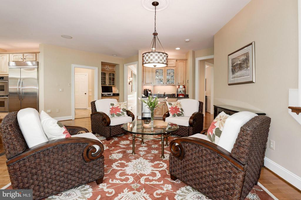 ...cozy and comfortable! - 11594 CEDAR CHASE RD, HERNDON