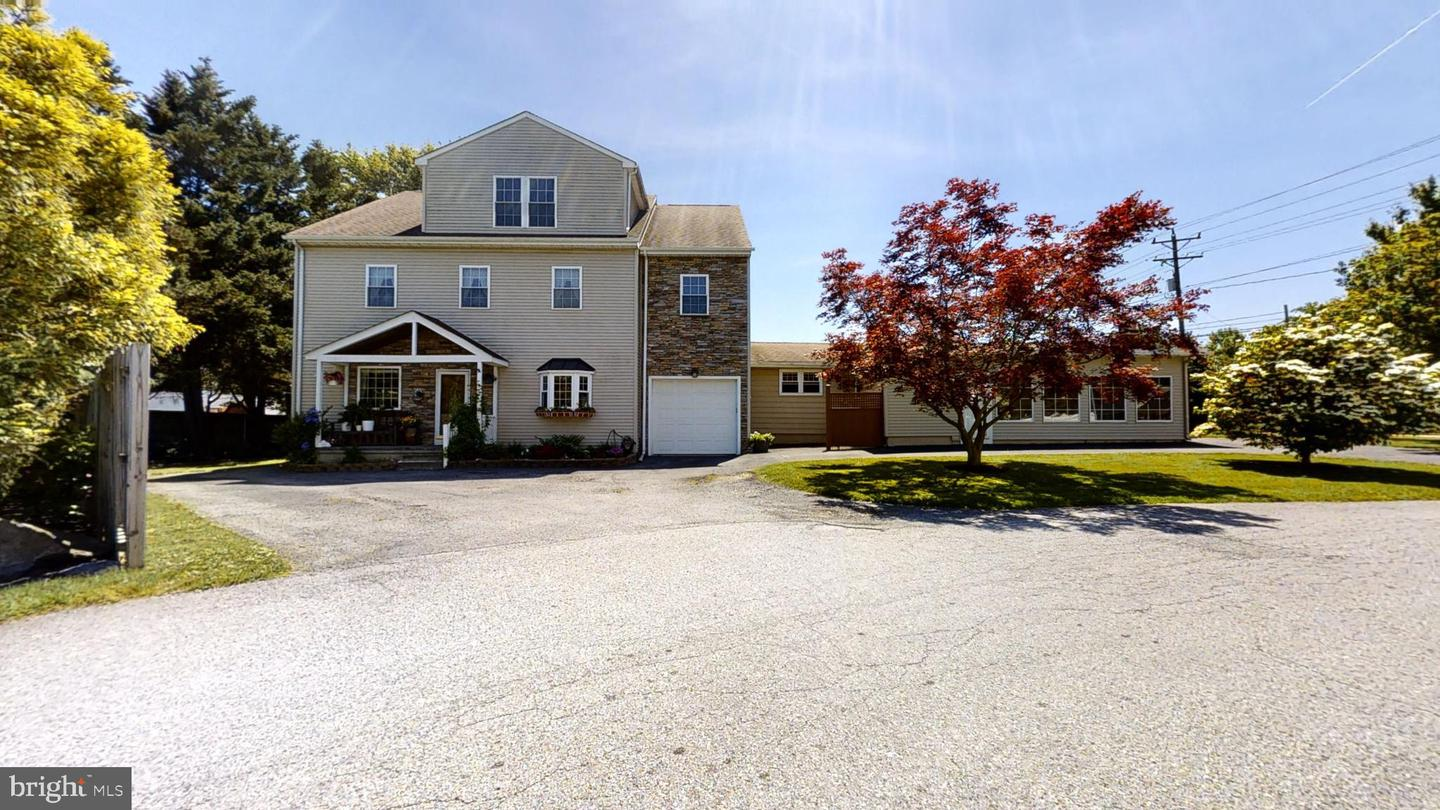 Photo of home for sale at 1004 Foulk Road, Wilmington DE