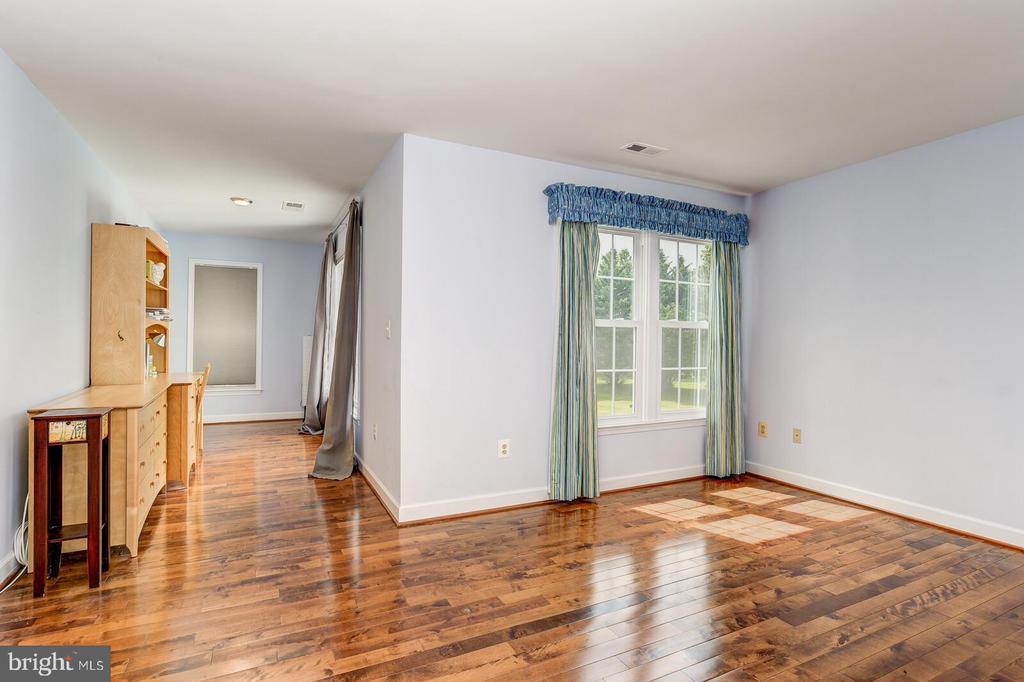 Bedroom 3 - 13701 MOUNT PROSPECT DR, ROCKVILLE