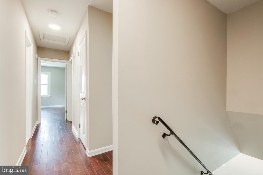 Hallway - 9304 SHARI DR, FAIRFAX