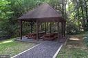 Picnic areas for dining alfresco! - 3384 GUNSTON RD, ALEXANDRIA