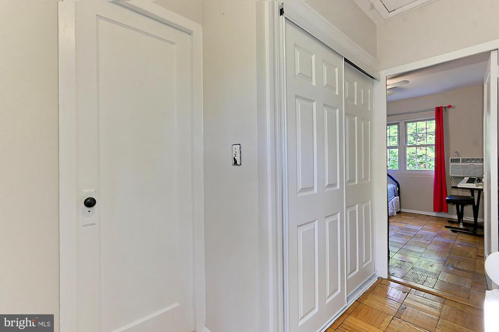 FULL size Washer/Dryer behind sliding closet doors - 3384 GUNSTON RD, ALEXANDRIA