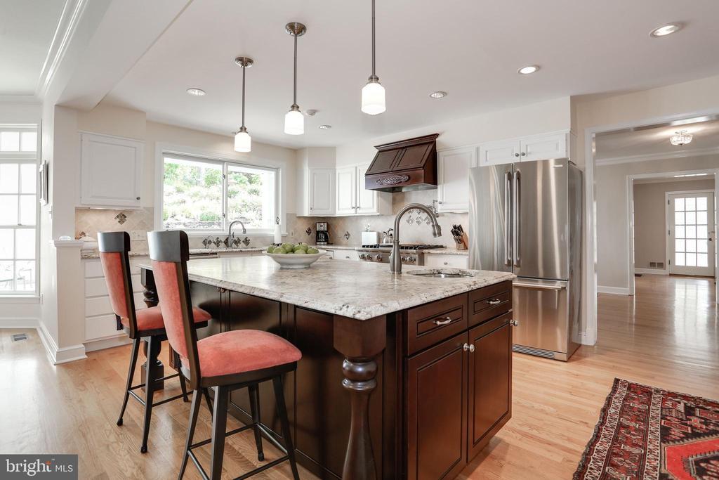 Gourmet Kitchen - 4629 35TH ST N, ARLINGTON