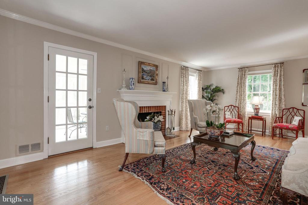Living Room with Wood Burning Fireplace - 4629 35TH ST N, ARLINGTON