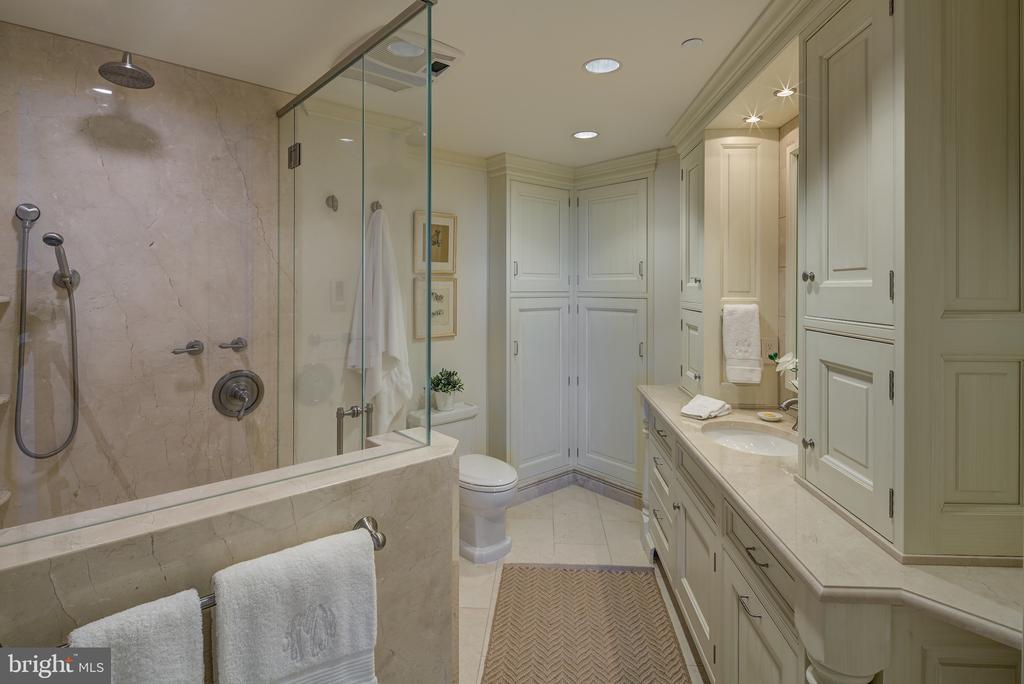 - 5600 WISCONSIN AVE #1-PH- 18B, CHEVY CHASE