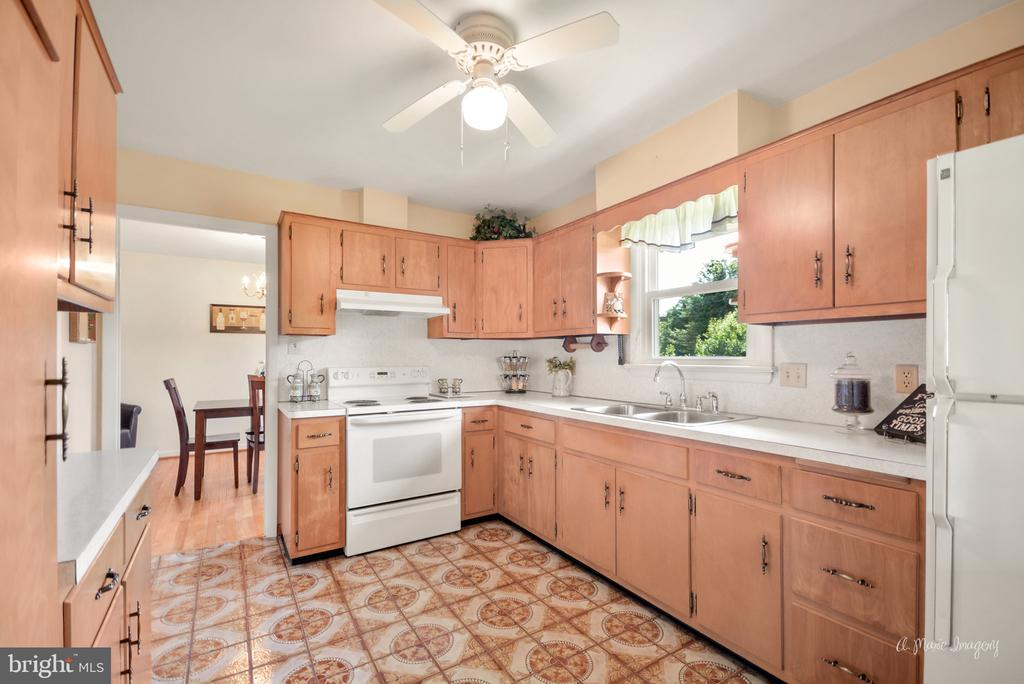 Kitchen with ceramic tile flooring - 404 CULLER AVE, FREDERICK