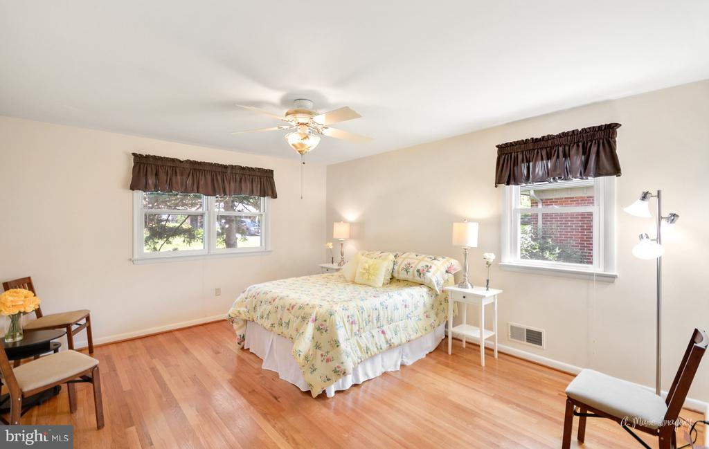 Large 1st Bedroom - 404 CULLER AVE, FREDERICK