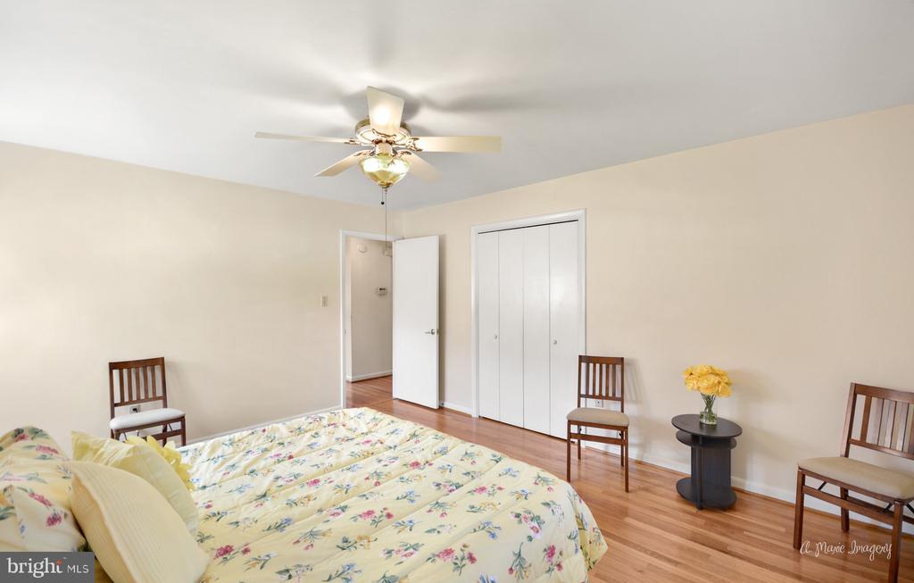 1st Bedroom - 404 CULLER AVE, FREDERICK