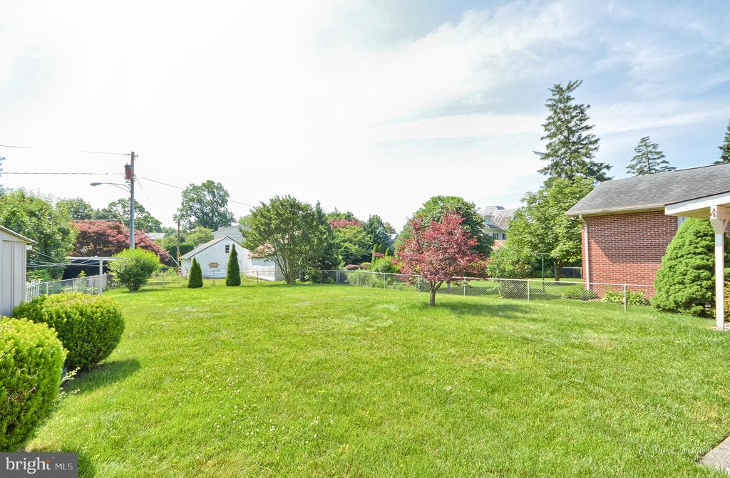 Large fenced yard - 404 CULLER AVE, FREDERICK