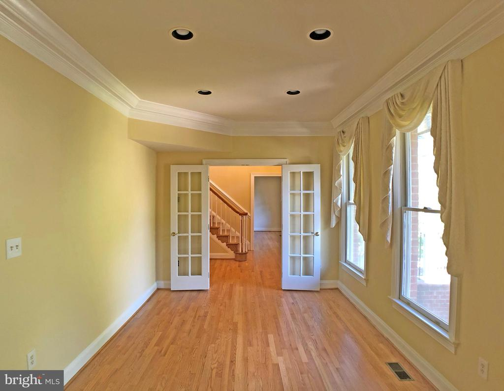Den to foyer view - 6905 RANNOCH RD, BETHESDA