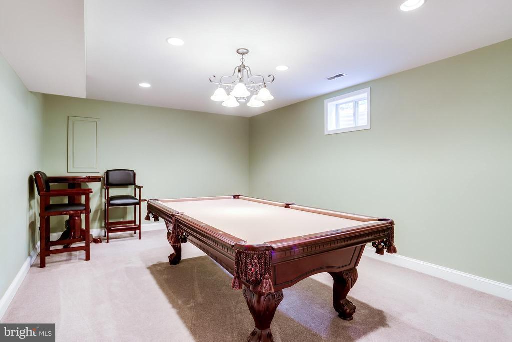 Pool Table Room - 43226 KATHLEEN ELIZABETH DR, ASHBURN
