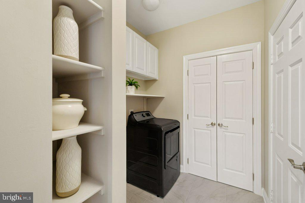Laundry room w/additional storage (washer pending) - 405 S HENRY ST, ALEXANDRIA