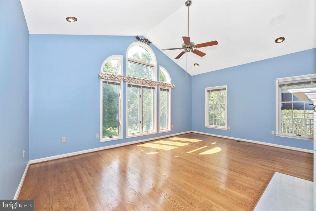 Music room has cathedral ceilings. - 7799 COBLENTZ RD, MIDDLETOWN