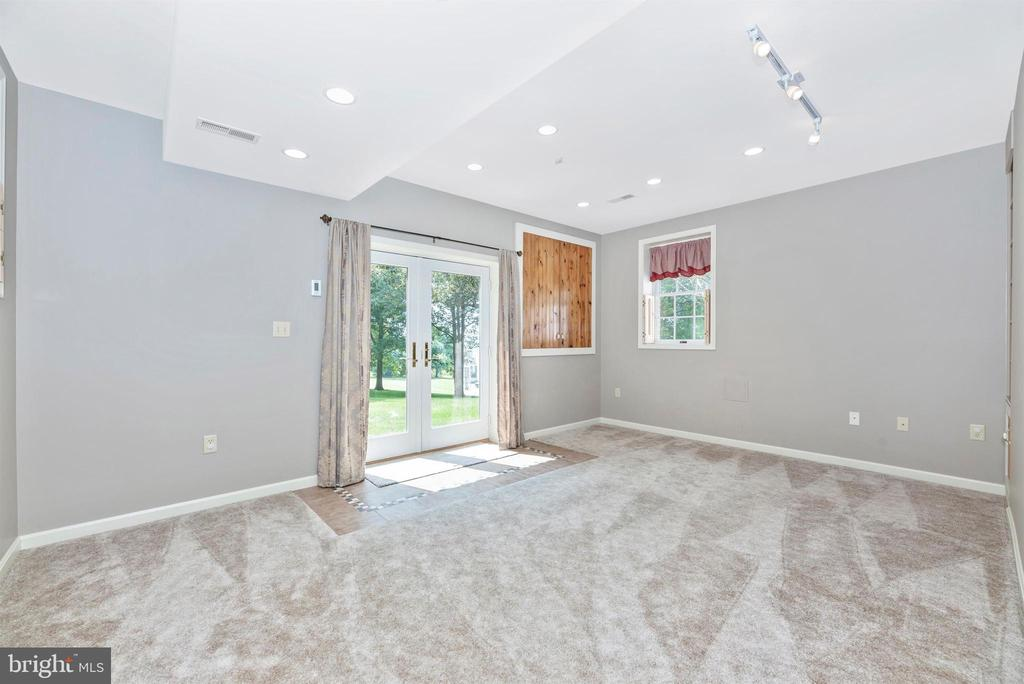 Walk out office (or guest room?) - 7799 COBLENTZ RD, MIDDLETOWN
