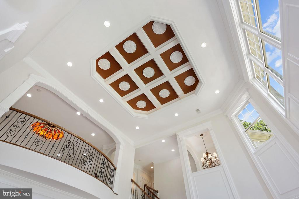 Custom millwork tray ceiling with backlit lights - 11418 WAPLES MILL RD, OAKTON