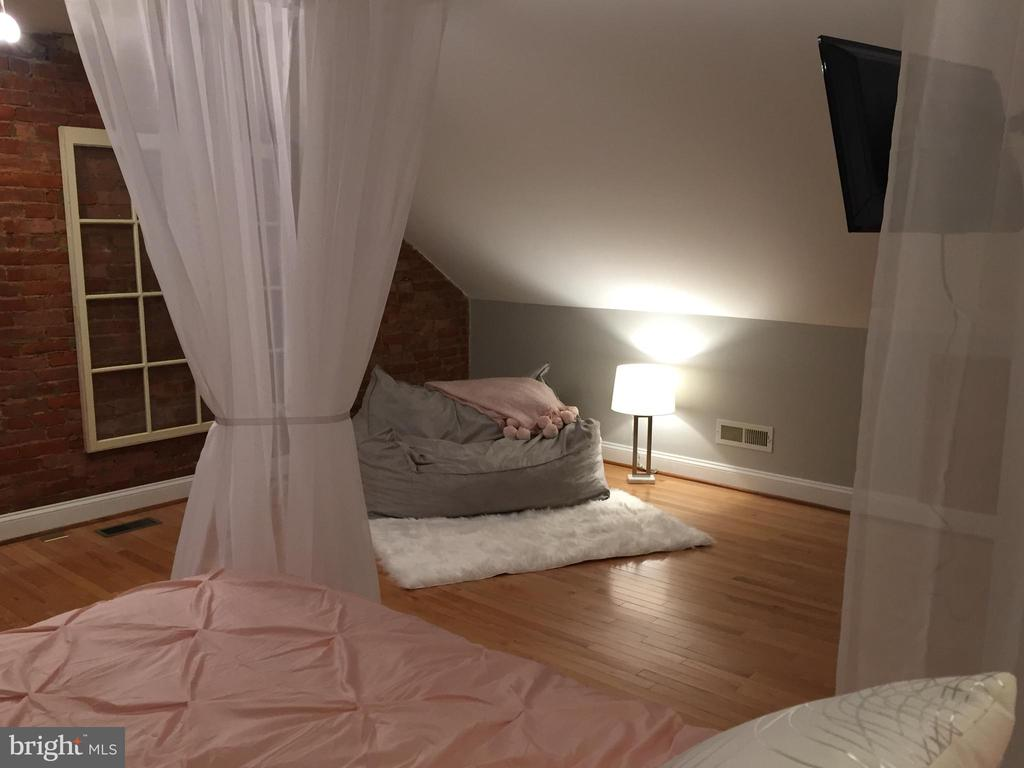 3rd Level Bedroom - 442 W SOUTH ST, FREDERICK