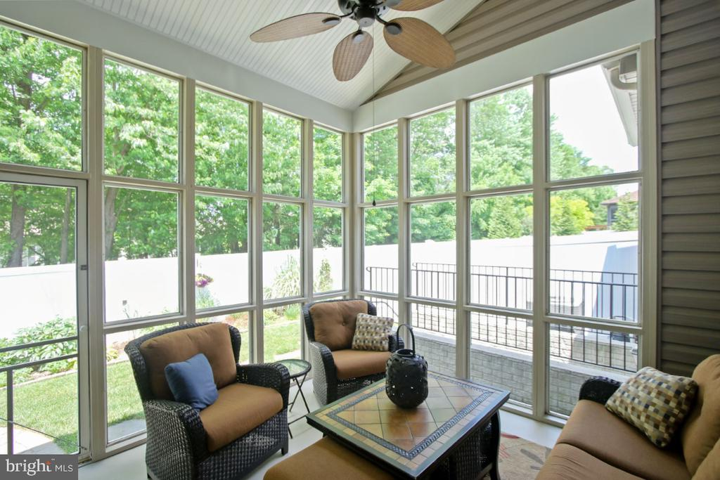 Enjoy the back garden from your screened porch - 3006 OLD ANNAPOLIS TRL, FREDERICK