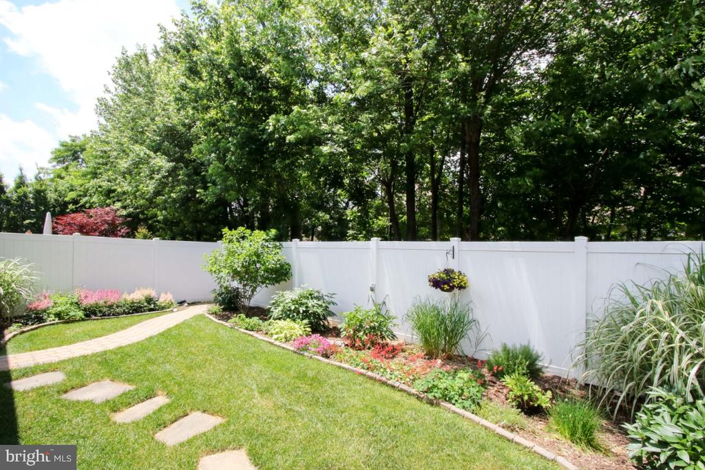 Fully fenced back yard - 3006 OLD ANNAPOLIS TRL, FREDERICK