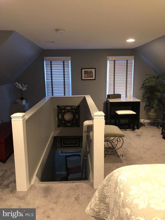Master Bedroom Stairway - 4705 FORDHAM RD, COLLEGE PARK