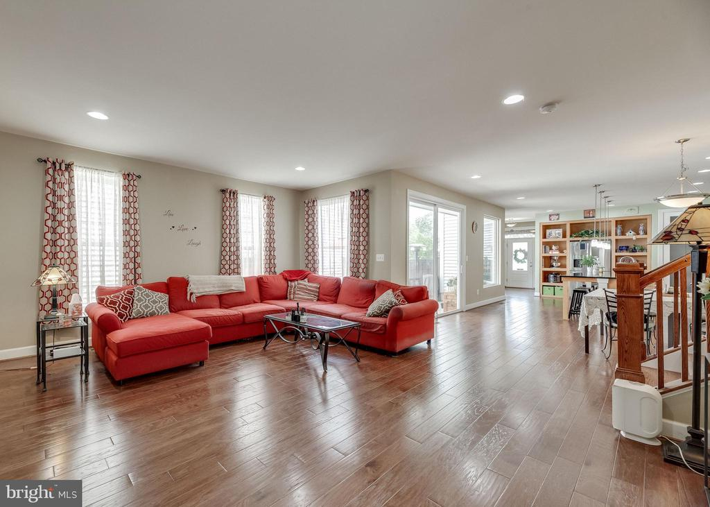 Living Room - 20417 SAVIN HILL DR, ASHBURN