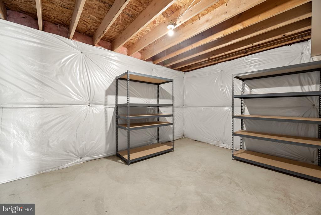 Large unfinished storage - 41 TOWN CENTER DR, LOVETTSVILLE