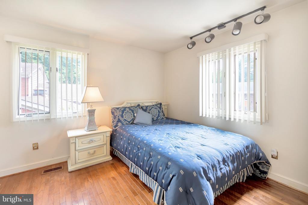 Bedroom 1 - 1603 CEDAR VIEW CT, SILVER SPRING