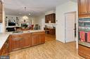 Kitchen - 6603 OKEEFE KNOLL CT, FAIRFAX STATION