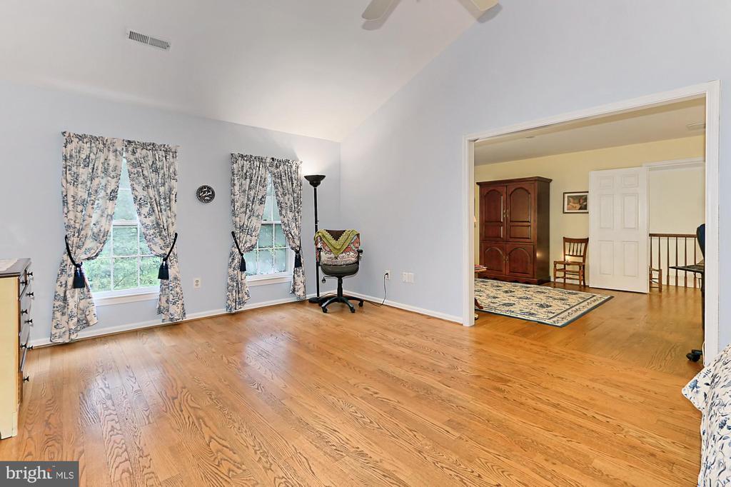 Master Bedroom/Sitting Room - 6603 OKEEFE KNOLL CT, FAIRFAX STATION