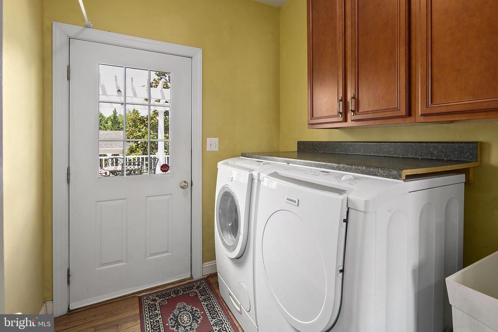 Laundry room to rear porch - 43474 OGDEN PL, STERLING