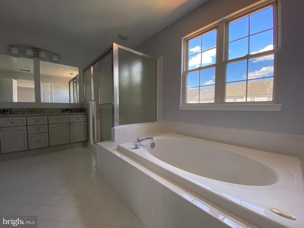 Master Bathroom with 2-person soaking tub & shower - 6311 WILLOWFIELD WAY, SPRINGFIELD