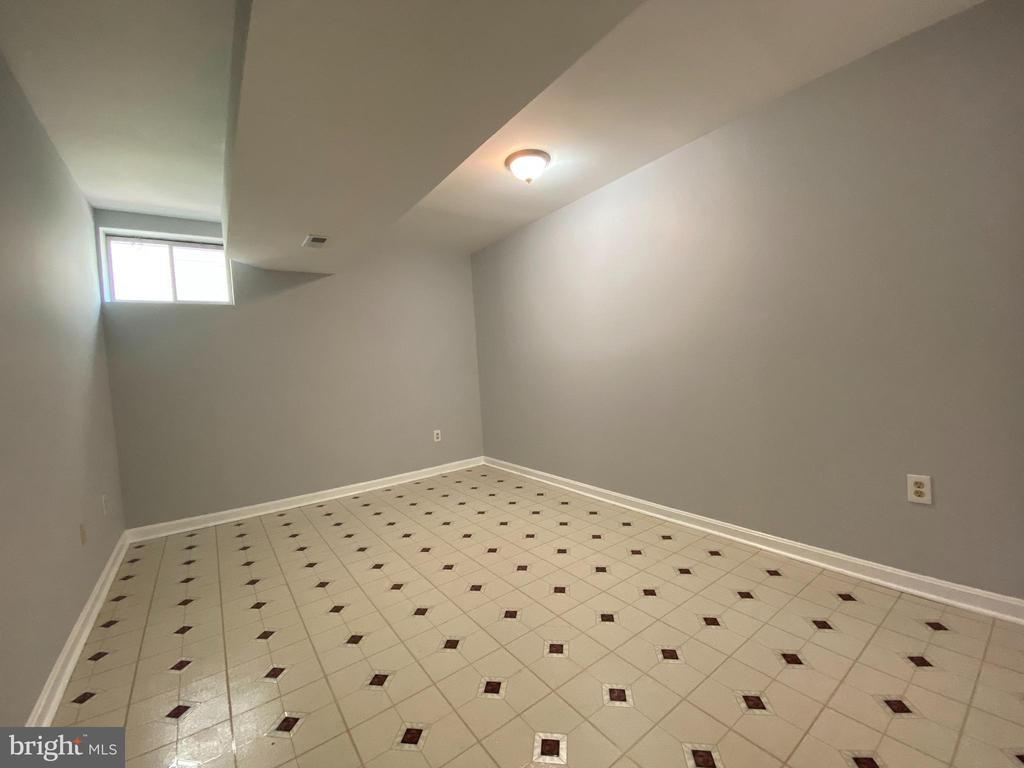 Den - was used as an 8th bedroom - 6311 WILLOWFIELD WAY, SPRINGFIELD