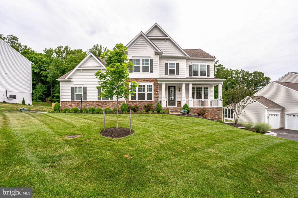 Showstopper in Selma Estates with Valley Views - 41684 WAKEHURST PL, LEESBURG