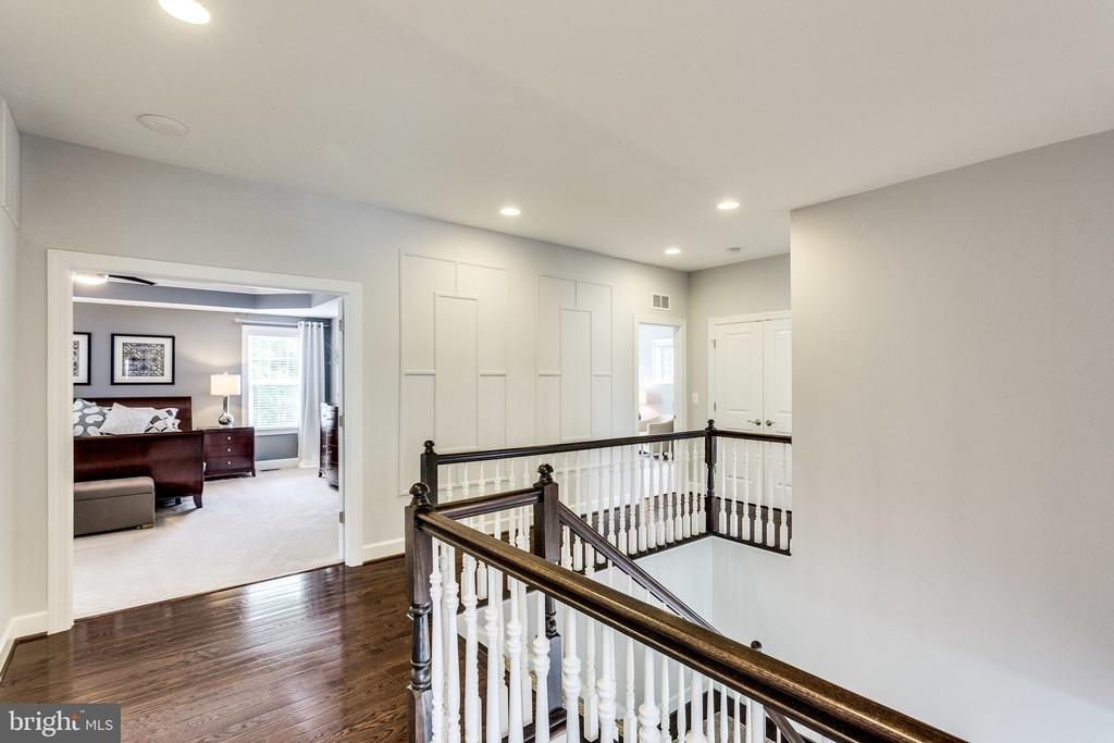 Upstairs You Will Find Stunning Owner's Suite - 41684 WAKEHURST PL, LEESBURG